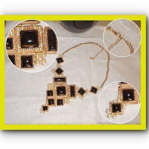Costume Jewelry - Necklace